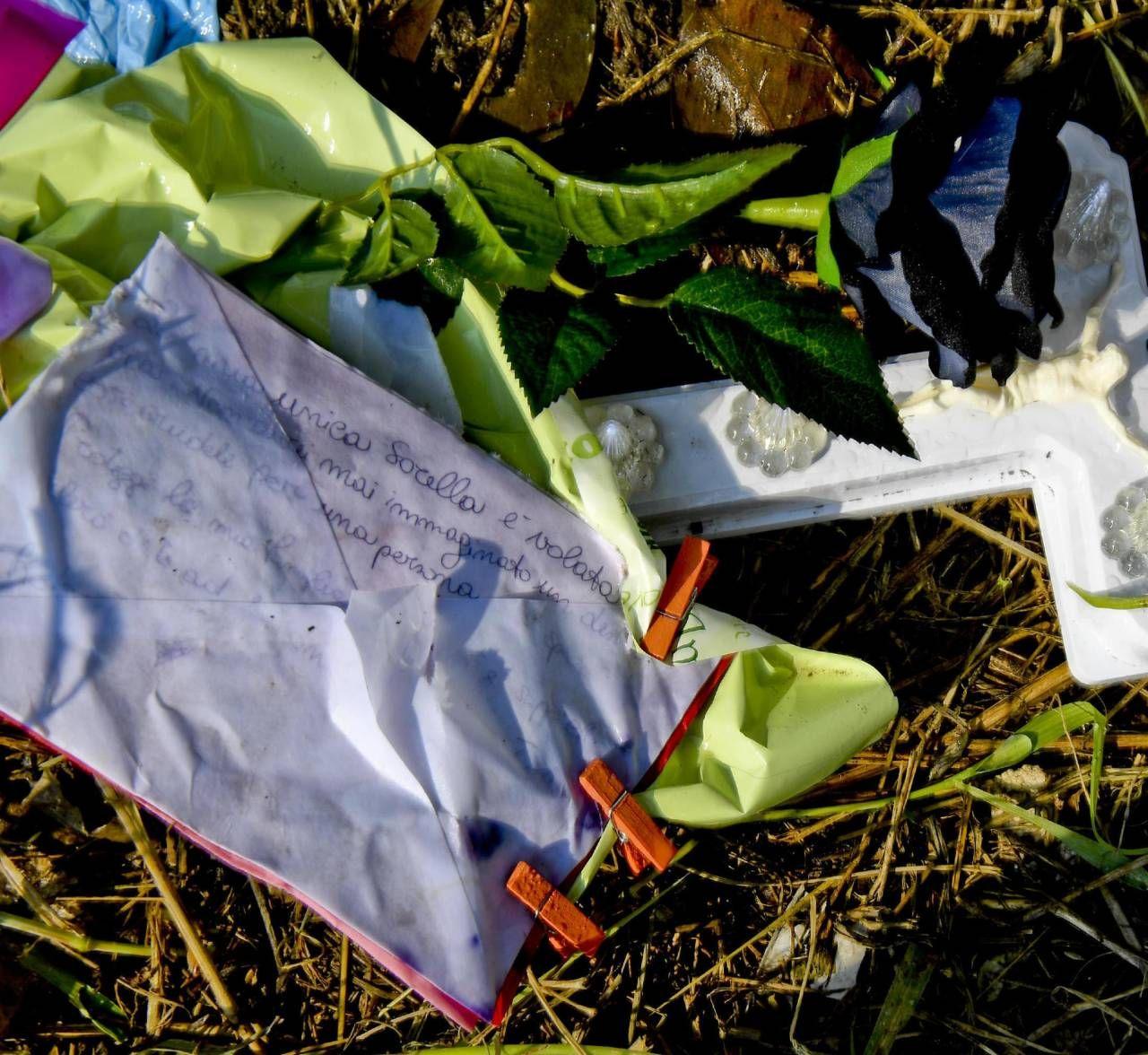 La lettera della sorella maggiore di Maria Paola Gaglione lasciata nel punto in cui la 20enne ha perso la vita