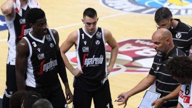 Aleksandar Sasha Djordjevic con la squadra (Ciamillo)