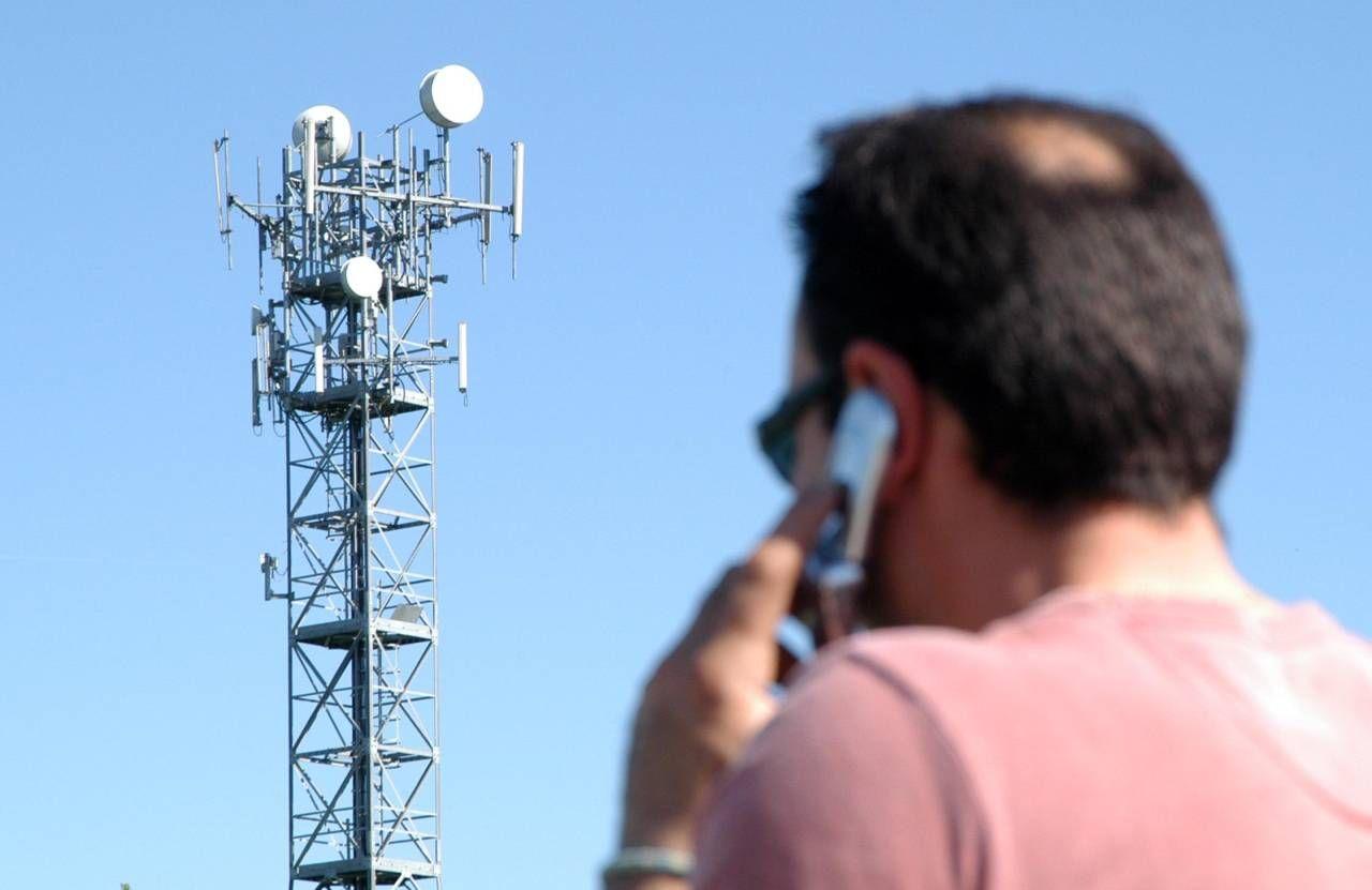 Un'antenna per la telefonia (foto di repertorio)
