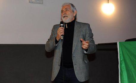 Il dirigente scolastico Luciano Giorgi: «Decisione presa in via precauzionale»
