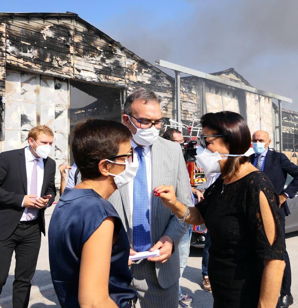 Il ministro Paola De Micheli sul luogo del disastro insieme al presidente Giampieri