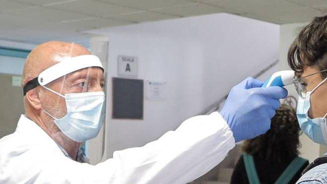 Coronavirus Ravenna, studenti contagiati, in quarantena due compagni