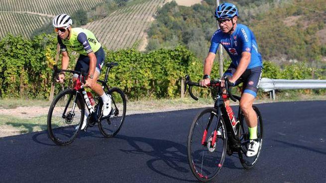 Vincenzo Nibali e Davide Cassani, ct della Nazionale azzurra, durante il sopralluogo