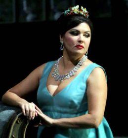Anna Netrebko, 49 anni, è una cantante lirica russa nauturalizzata austriaca