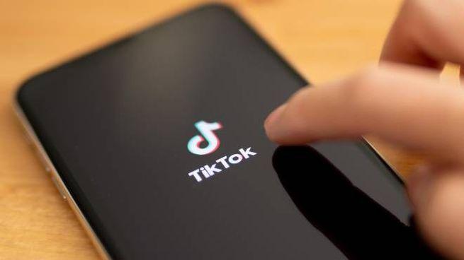 Dopo la morte della bimba di 10 anni su TikTok si è scatenata la bufera