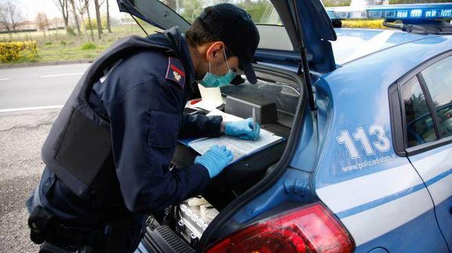 Il giovane è stato fermato in auto dalla polizia durante un controllo di routine