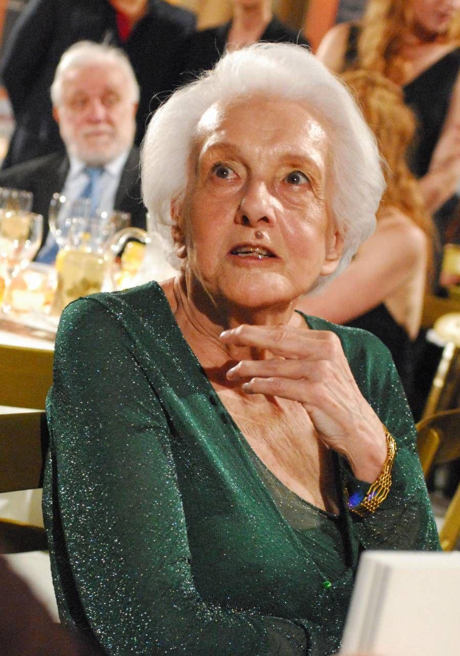 Rossana Rossanda era nata nel 1924 a Pola, in Istria. La sua famiglia era benestante, ma subì. la crisi del '29