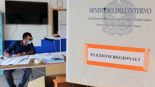 Un seggio elettorale (ImagoE)