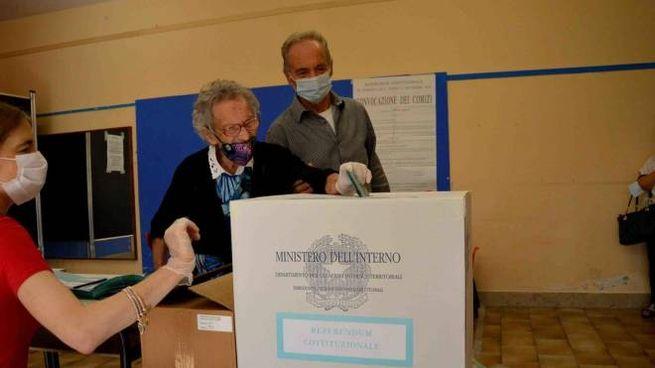 Luisa Zeppitelli, 109 anni, al voto (Ansa)