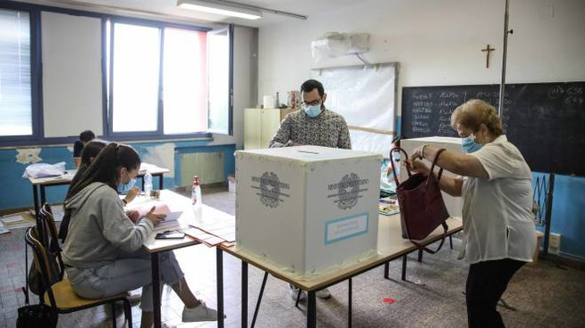 Un seggio elettorale (foto Germogli)