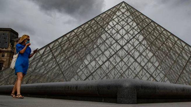 Parigi diventa zona a massima allerta (Ansa)