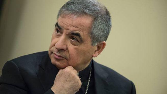 Il cardinale Angelo Becciu (ImagoE)