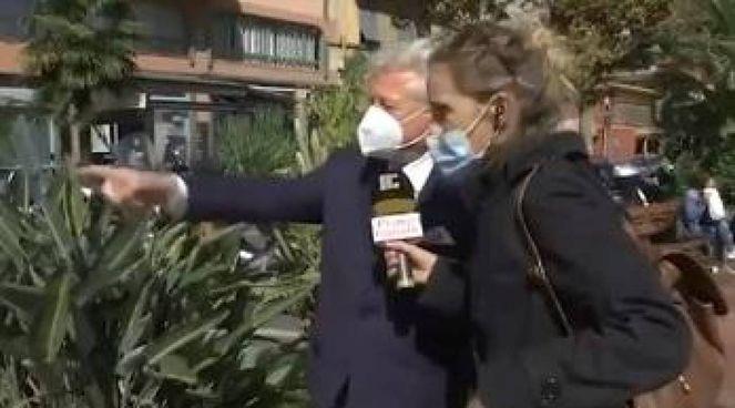 Il sindaco di Ventimiglia, Gaetano Scullino, durante la diretta tv