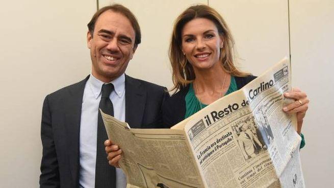 Il direttore di Qn e il Resto del Carlino Andrea Cangini con Martina Colombari (foto Schicchi)