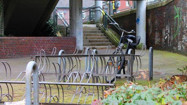 Via i rottami di bici dal centro storico
