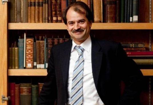 L'epidemiologo John Ioannidis, 55 anni, oggi sarà a Bologna