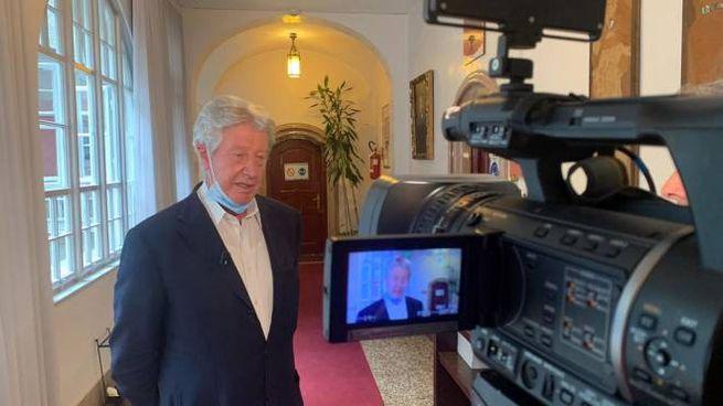 Il riconfermato sindaco di Bolzano, Renzo Caramaschi (Ansa)