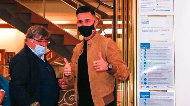 Callejon con il dottor Serni, medico della Fiorentina (Germogli)