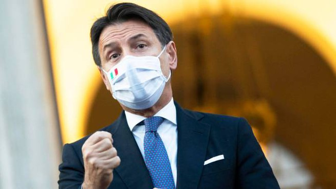 Giuseppe Conte.  ANSA/ UFFICIO STAMPA PALAZZO CHIGI/ FILIPPO ATTILI +++ ANSA PROVIDES ACCESS TO THIS HANDOUT PHOTO TO BE USED SOLELY TO ILLUSTRATE NEWS REPORTING OR COMMENTARY ON THE FACTS OR EVENTS DEPICTED IN THIS IMAGE; NO ARCHIVING; NO LICENSING +++