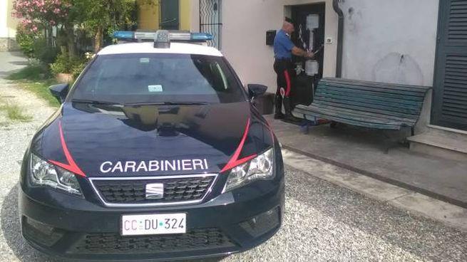 Una pattuglia dei carabinieri di Lucca
