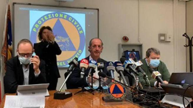 Un frame tratto dalla diretta sul profilo del presidente della Regione Veneto, Luca Zaia