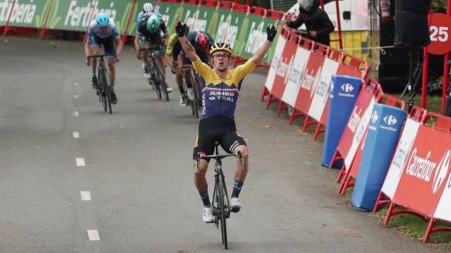 Primoz Roglic vince la tappa 1 della Vuelta (Ansa)