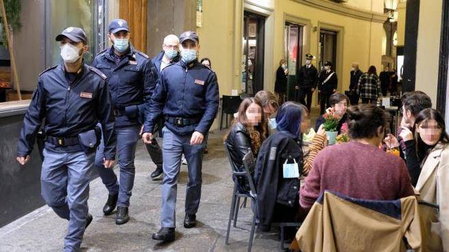 Coronavirus, controlli anti-movida a Torino (Ansa)