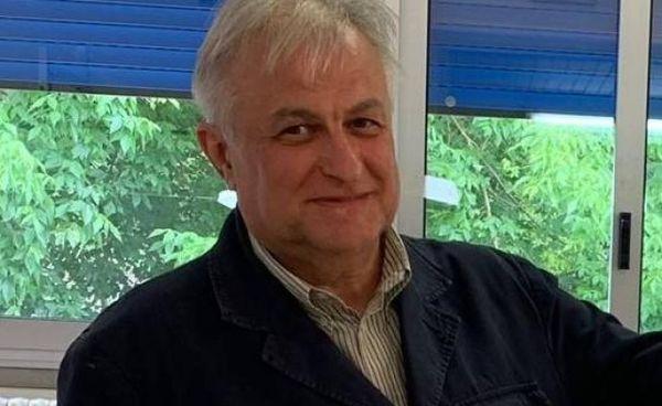 Il sindaco di Riva del Po Andrea Zamboni è riuscito a trovare una soluzione temporanea per i bambini del suo comune