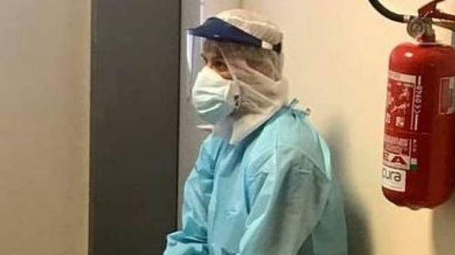 L'infermiere lavora nel reparto di Malattie infettive
