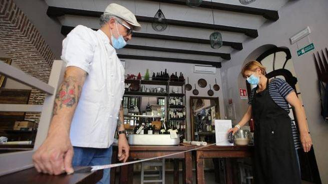 Nonostante si siano subito messi in regola, i ristoratori sono ancora nel mirino
