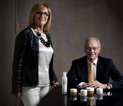 Marcella e Andrea Antonini, rispettivamente vicepresidente e amministratore delegato di Zucchero & C, azienda di Bagno a Ripoli sulla strada della cosmetica