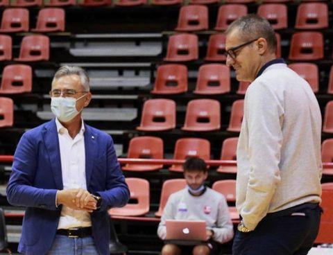 Il presidente Giancarlo Nicosanti con coach Sandro Dell'Agnello