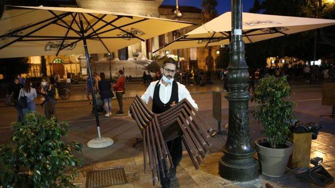 Palermo, chiusura anticipata dei bar (Ansa)