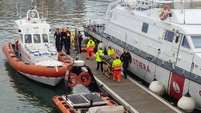 I pescatori portati in salvo