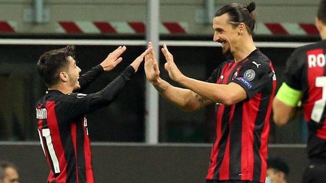 Brahim Diaz e Zlatan Ibrahimovic festeggiano dopo il gol (Ansa)