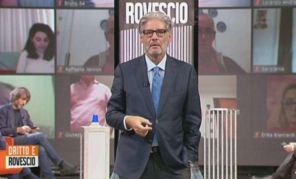 Il conduttore Paolo Del Debbio durante la trasmissione 'Dritto e rovescio' del 22 ottobre scorso su Rete4