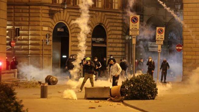 I disordini di Firenze (foto New Press Photo)