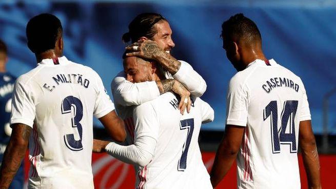 Il Real Madrid esulta dopo un gol (Ansa)