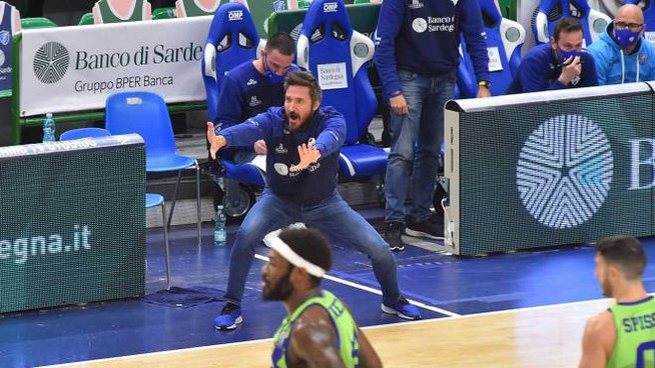 La grinta del coach di Sassari, Giammarco Pozzecco (Ciamillo)
