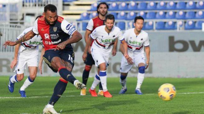 Cagliari-Sampdoria, il rigore trasformato da Joao Pedro (Ansa)