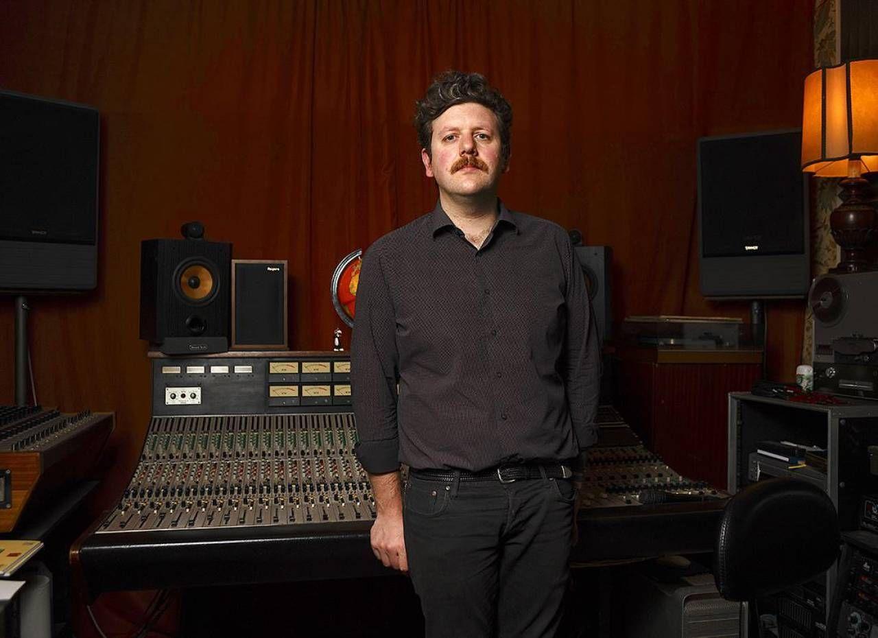 Il secondo. 7 pollici di Roberto Villa nasce presso 'L'Amor Mio Non Muore', studio di registrazione forlivese completamente analogico