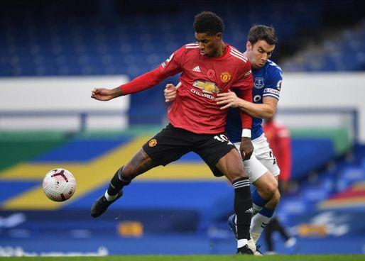Marcus Rashford in azione contro l'Everton (Ansa)