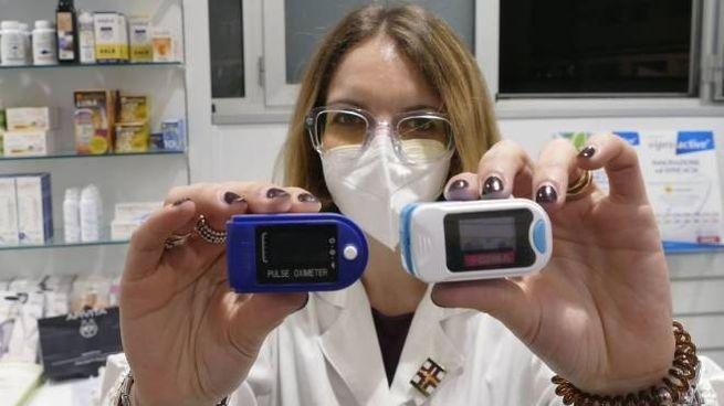 Il saturimetro misura l'ossigenazione del sangue