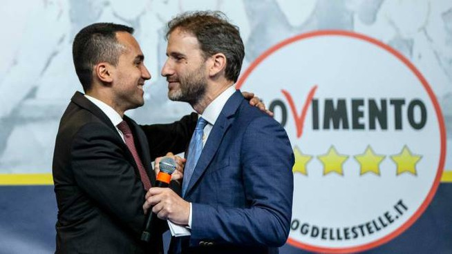 Davide Casaleggio (a destra) e il ministro Luigi Di Maio (Imagoeconomica)