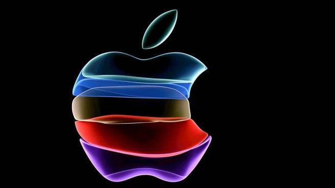 Il logo della Apple (Ansa)
