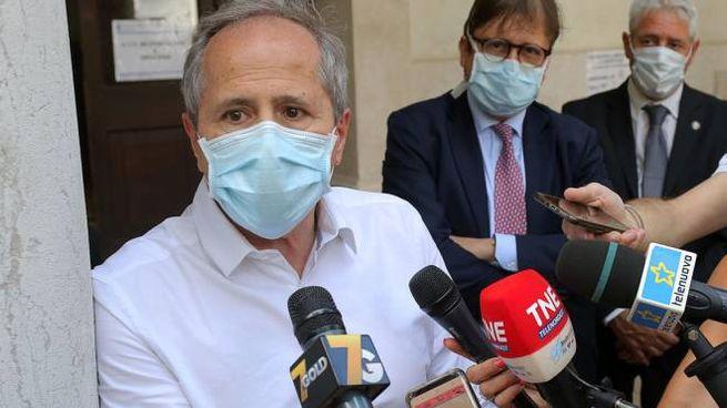 Il virologo di Padova Andrea Crisanti (Ansa)