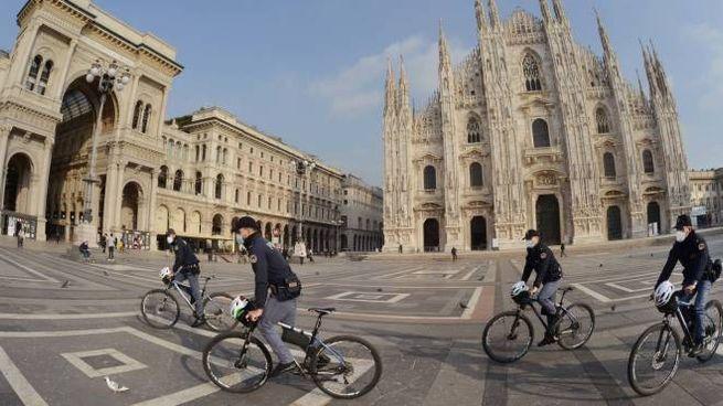 Piazza Duomo semi deserta