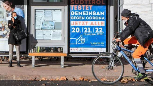 Test rapidi in Alto Adige: i cartelli in tedesco (Ansa)