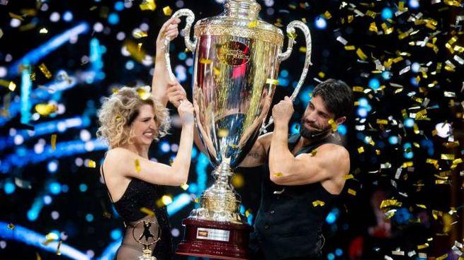 Lucrezia Lando e Gilles Rocca vincono Ballando con le stelle 2020 (Ansa)