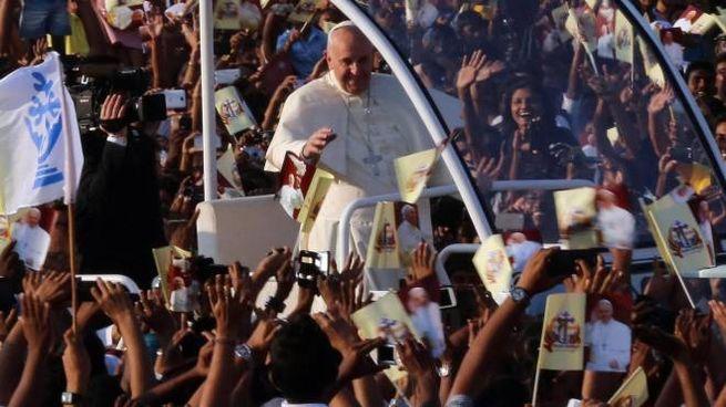 Papa Francesco in Sri Lanka (Ansa)